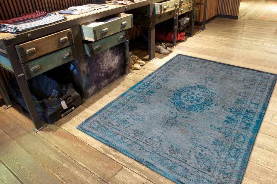 tapis Louis De Poortere CA 8255 Fading World Medaillon Grey Turquoise interior 2